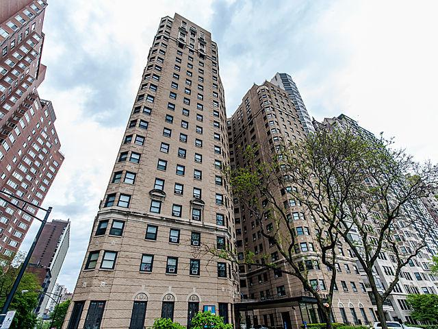 1400 N Lake Shore Drive 18J, Chicago, IL 60610 (MLS #09697158) :: Property Consultants Realty