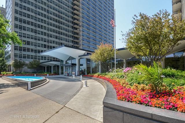 3550 N Lake Shore Drive #2405, Chicago, IL 60657 (MLS #09697265) :: Property Consultants Realty