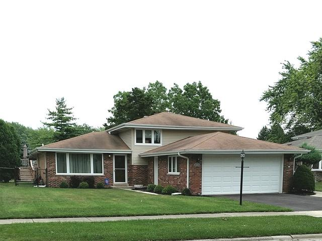 10331 S Kathy Court, Palos Hills, IL 60465 (MLS #09697421) :: The Wexler Group at Keller Williams Preferred Realty