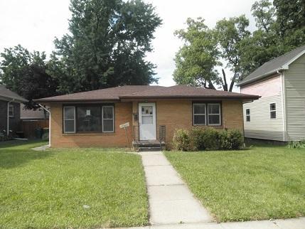 114 W 12th Street, Streator, IL 61364 (MLS #09698155) :: The Dena Furlow Team - Keller Williams Realty
