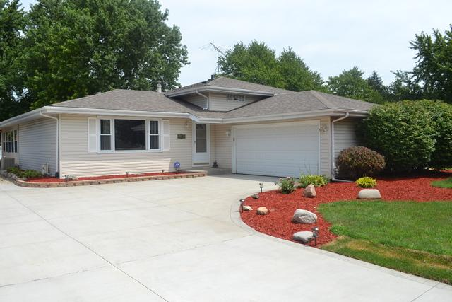 24328 S Valley Drive, Channahon, IL 60410 (MLS #09698381) :: The Wexler Group at Keller Williams Preferred Realty