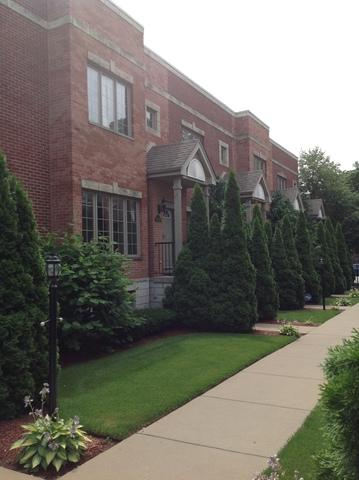424 E Oakwood Boulevard #10, Chicago, IL 60653 (MLS #09698627) :: Ani Real Estate