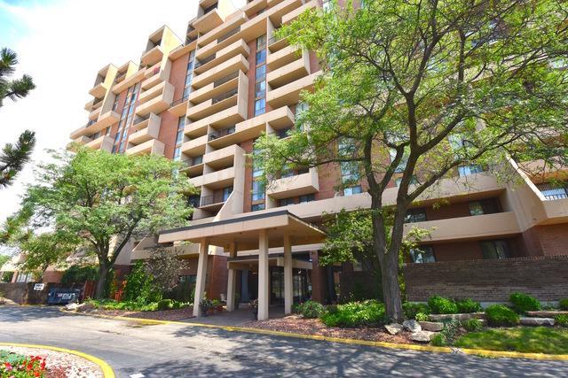 465 W Dominion Drive #701, Wood Dale, IL 60191 (MLS #09698682) :: Ani Real Estate