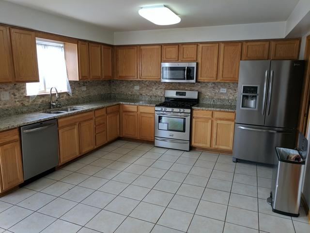 7952 W 108th Street, Palos Hills, IL 60465 (MLS #09699069) :: The Wexler Group at Keller Williams Preferred Realty
