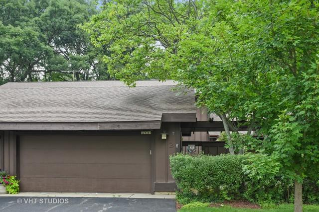 42W384 Hawthorne Court, St. Charles, IL 60175 (MLS #09699098) :: The Wexler Group at Keller Williams Preferred Realty