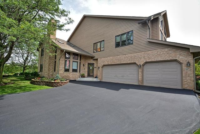 8 Lake Katherine Way, Palos Heights, IL 60463 (MLS #09699108) :: The Wexler Group at Keller Williams Preferred Realty