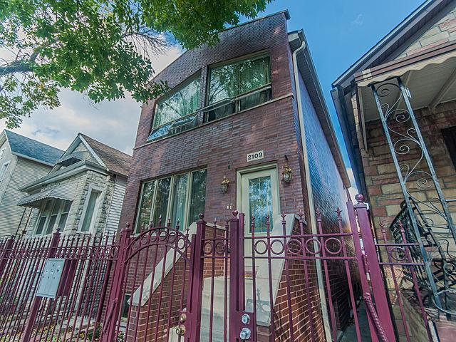 2109 N Bingham Street, Chicago, IL 60647 (MLS #09700523) :: The Perotti Group