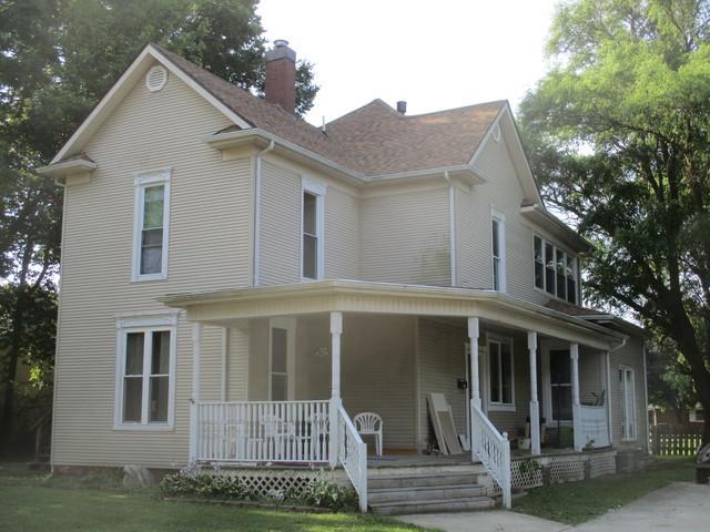 111 E Ensey Street, Tuscola, IL 61953 (MLS #09701623) :: Littlefield Group