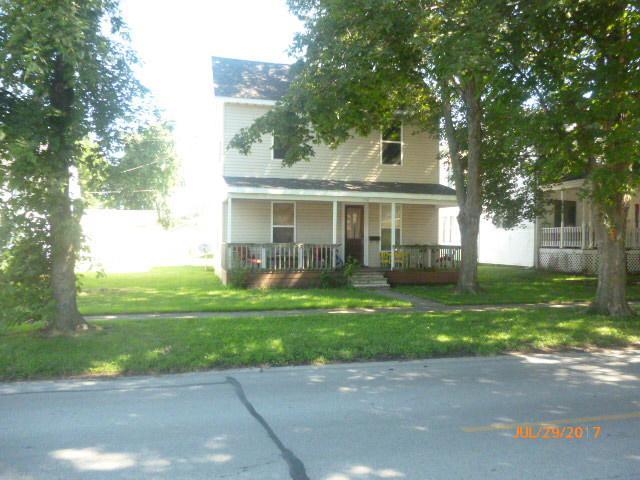 108 E Daggy Street, Tuscola, IL 61953 (MLS #09706848) :: Littlefield Group