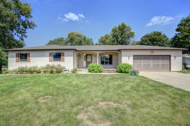 304 E Pershing Court, PHILO, IL 61864 (MLS #09711130) :: Littlefield Group