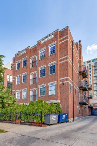 227 W Scott Street 1E, Chicago, IL 60610 (MLS #09712128) :: Littlefield Group