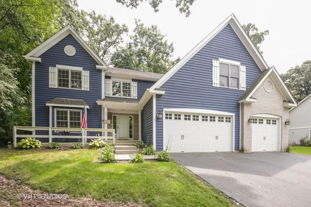 401 Kelly Lane, Crystal Lake, IL 60012 (MLS #09712549) :: Lewke Partners