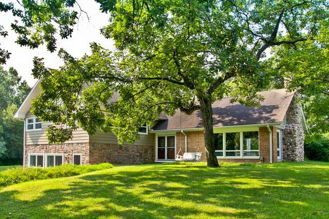 4815 Deering Oaks Lane, Crystal Lake, IL 60012 (MLS #09715272) :: Lewke Partners