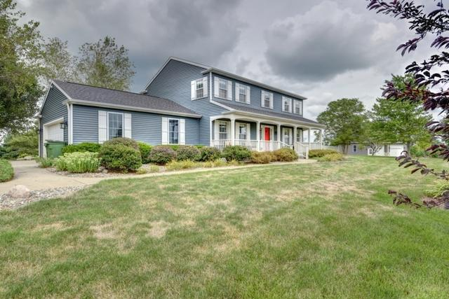 210 Copperhill Drive, Mahomet, IL 61853 (MLS #09717188) :: Littlefield Group
