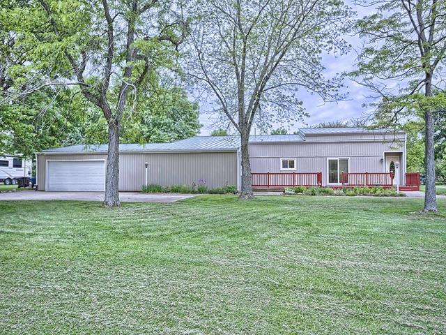 1209 N Lake Of The Woods Road, Mahomet, IL 61853 (MLS #09717654) :: Littlefield Group