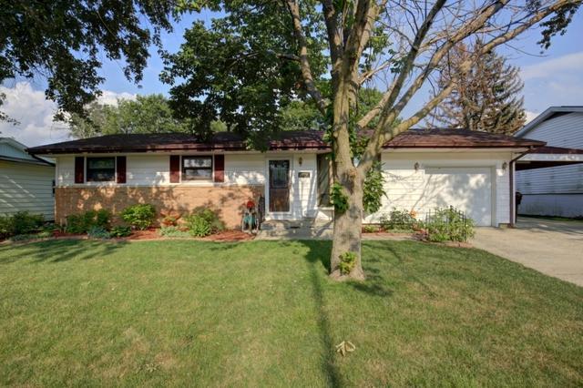1728 Gleason Drive, Rantoul, IL 61866 (MLS #09718800) :: Littlefield Group
