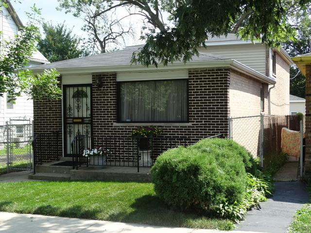 10025 S Parnell Avenue, Chicago, IL 60628 (MLS #09719457) :: Ani Real Estate