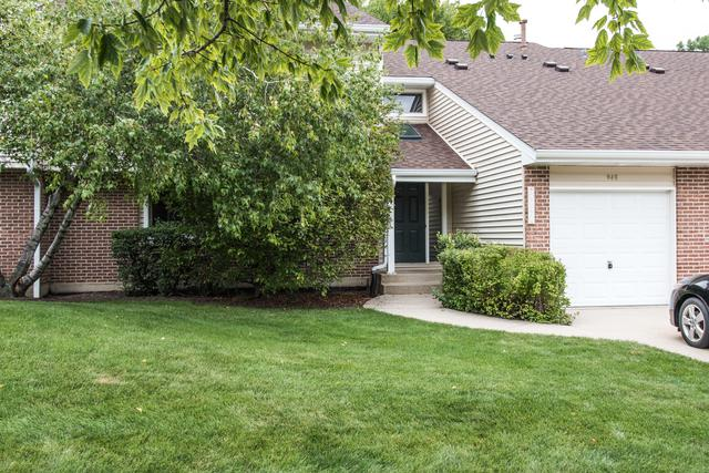 946 Hidden Lake Drive #946, Buffalo Grove, IL 60089 (MLS #09720937) :: The Schwabe Group