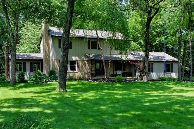 31 Acorn Drive, Hawthorn Woods, IL 60047 (MLS #09722736) :: The Schwabe Group