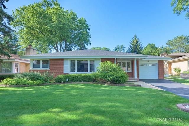 5 W Hiawatha Trail, Mount Prospect, IL 60056 (MLS #09722806) :: The Schwabe Group