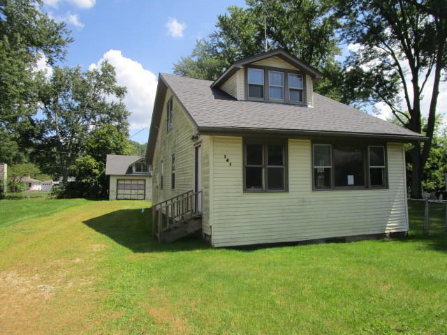 141 N Crystal Beach Avenue, Crystal Lake, IL 60014 (MLS #09722900) :: Lewke Partners