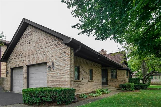 1604 Cypress Court, Hoffman Estates, IL 60169 (MLS #09724169) :: The Schwabe Group