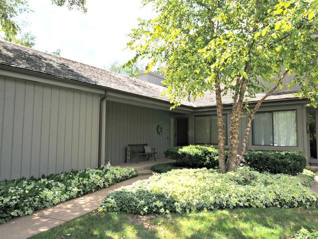 319 Rolling Wood Lane, Lake Barrington, IL 60010 (MLS #09724436) :: The Jacobs Group