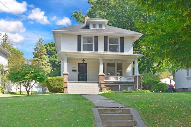 1262 W Lincoln Boulevard, Freeport, IL 61032 (MLS #09725181) :: Helen Oliveri Real Estate