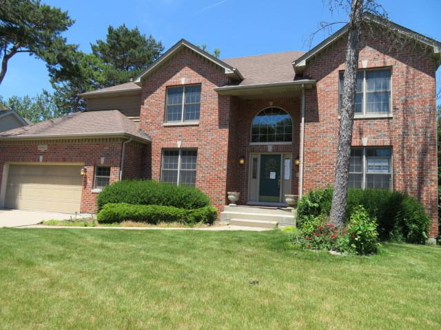 24W610 Eugenia Drive, Naperville, IL 60540 (MLS #09725184) :: Helen Oliveri Real Estate