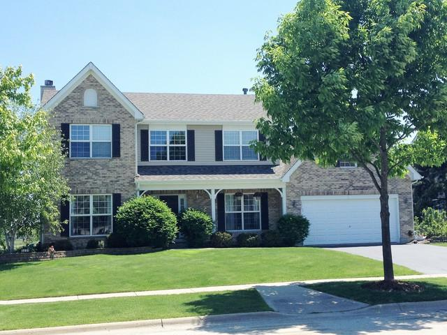 1231 Fieldstone Drive, Crystal Lake, IL 60014 (MLS #09726952) :: The Jacobs Group