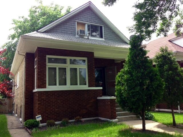 4905 W Oakdale Avenue, Chicago, IL 60641 (MLS #09729261) :: Property Consultants Realty