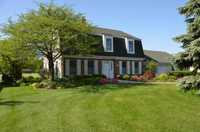 719 Berkshire Court, Downers Grove, IL 60516 (MLS #09732129) :: Lewke Partners