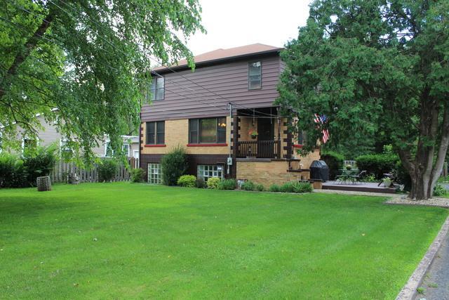 1804 W Davis Avenue, Mchenry, IL 60050 (MLS #09738604) :: Lewke Partners