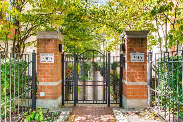 3910 N Fremont Street B, Chicago, IL 60613 (MLS #09747692) :: MKT Properties | Keller Williams