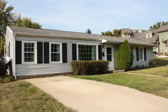607 E Bradshaw Street, Dixon, IL 61021 (MLS #09749554) :: Key Realty