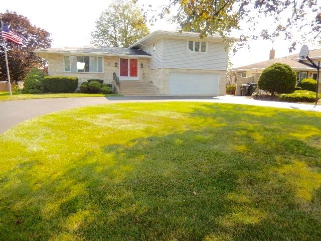 105 S Constance Lane, Countryside, IL 60525 (MLS #09749732) :: Key Realty