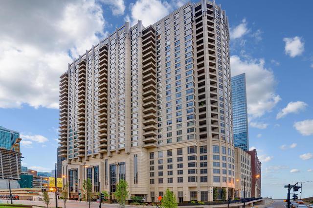 530 N Lake Shore Drive #2800, Chicago, IL 60611 (MLS #09751757) :: Berkshire Hathaway Koenig Rubloff - Carroll Real Estate Group