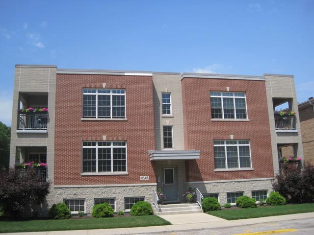 2646 Desplaines Avenue 1N, North Riverside, IL 60546 (MLS #09752172) :: Domain Realty