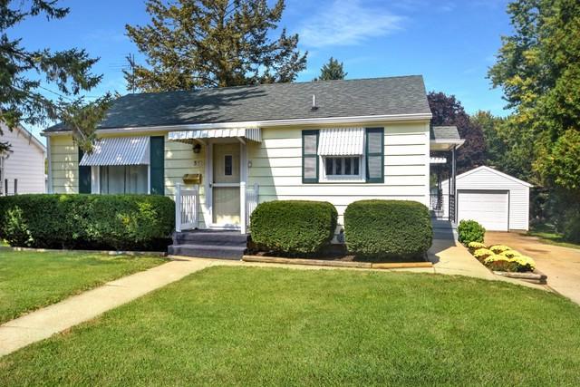 340 W Roosevelt Street, Freeport, IL 61032 (MLS #09752990) :: Key Realty