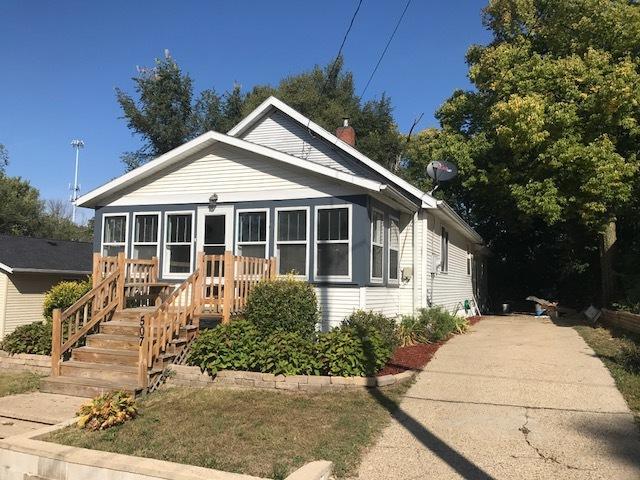 507 W 7th Street, Dixon, IL 61021 (MLS #09754759) :: Key Realty
