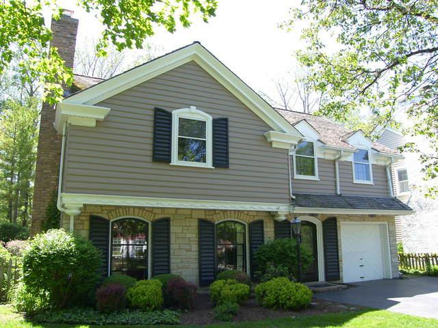 1217 Richmond Lane, Wilmette, IL 60091 (MLS #09755065) :: Helen Oliveri Real Estate