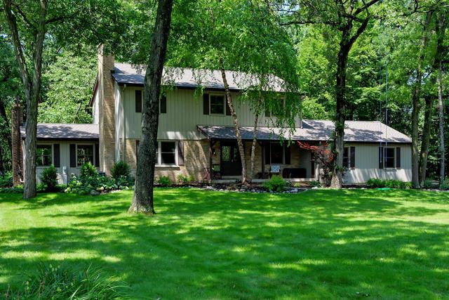 31 Acorn Drive, Hawthorn Woods, IL 60047 (MLS #09755381) :: Helen Oliveri Real Estate