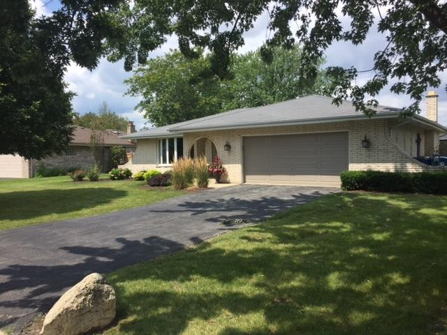 6220 W 129th Place, Palos Heights, IL 60463 (MLS #09755592) :: The Wexler Group at Keller Williams Preferred Realty