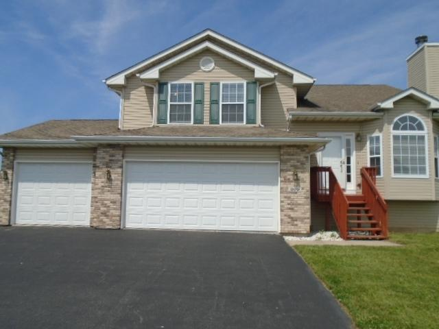 300 Greenbriar Boulevard, Poplar Grove, IL 61065 (MLS #09755627) :: Key Realty