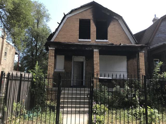 953 N Saint Louis Avenue, Chicago, IL 60651 (MLS #09755800) :: Domain Realty