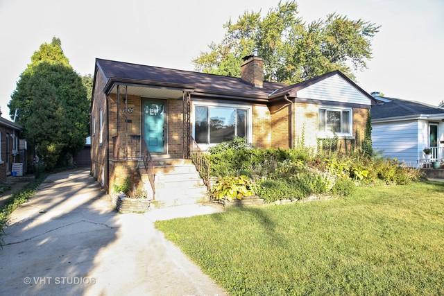 906 Howard Street, Wheaton, IL 60187 (MLS #09755853) :: The Dena Furlow Team - Keller Williams Realty