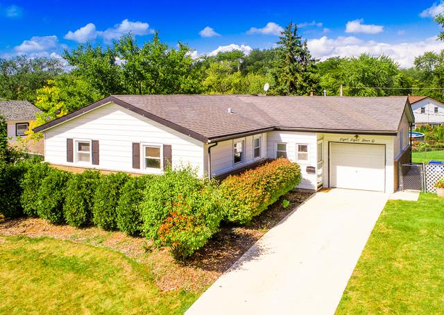 8840 W 92nd Street, Hickory Hills, IL 60457 (MLS #09755997) :: The Wexler Group at Keller Williams Preferred Realty
