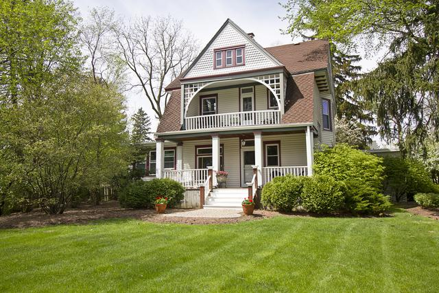 500 Arbor Avenue, Wheaton, IL 60189 (MLS #09756426) :: The Dena Furlow Team - Keller Williams Realty