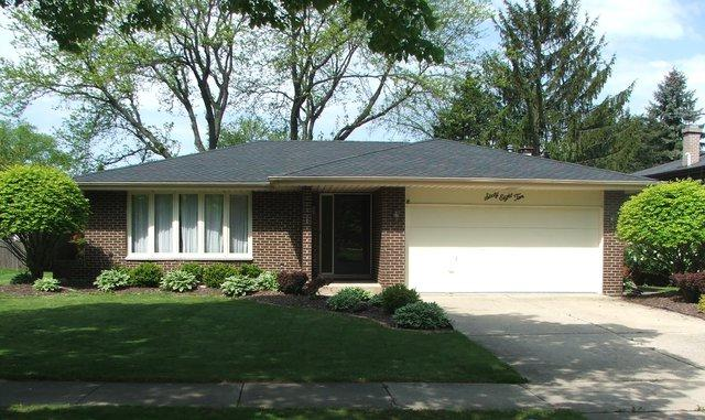 6810 Saratoga Avenue, Downers Grove, IL 60516 (MLS #09756452) :: The Dena Furlow Team - Keller Williams Realty
