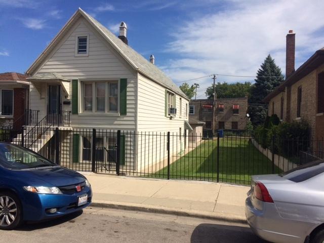 3001 S Quinn Street, Chicago, IL 60608 (MLS #09756779) :: The Dena Furlow Team - Keller Williams Realty